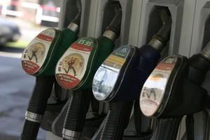 Ceny paliw powinny spaść