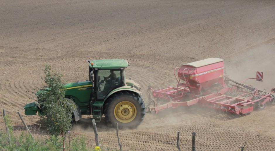 55 posłów zaskarżyło zakaz liberalizacji rynku ziemi rolnej w Bułgarii