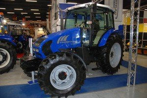 Farmtrac stawia na proste ale dobrze wyposażone ciągniki