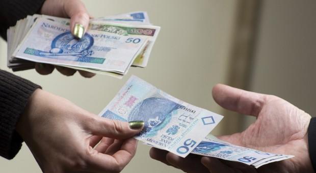 Rolnicy szturmują banki po kredyty na zakup ziemi