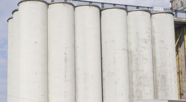 Rolnicy nie wożą zbóż do elewatorów