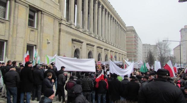 Protest rolników przed resortem rolnictwa
