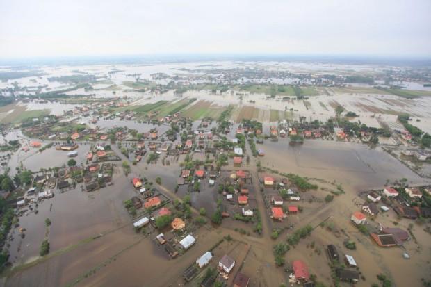 Od 2010 r. do 54 tys. poszkodowanych w wyniku klęsk trafił 1 mld zł