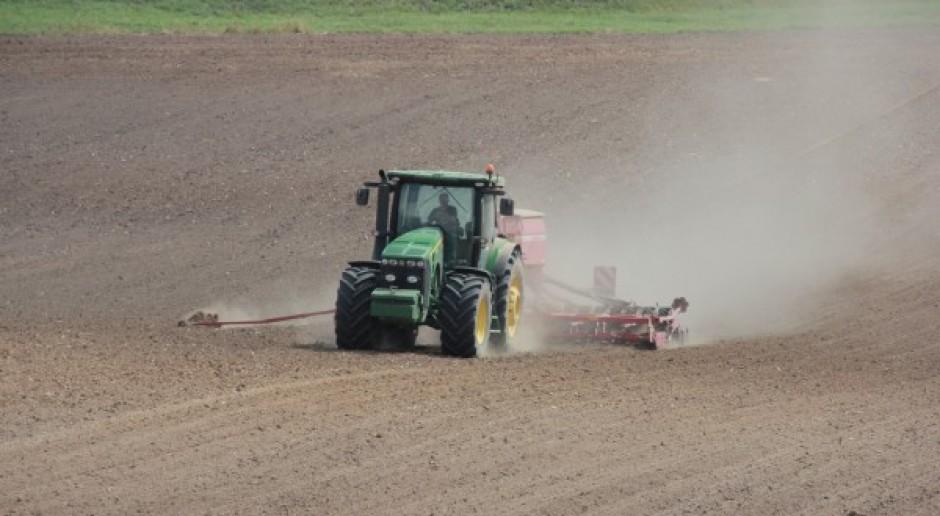Słowacja wprowadzi ograniczenia obrotu ziemią rolniczą