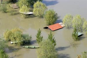 Szef MSW o wezbraniach rzek: najgroźniejsze jest za nami