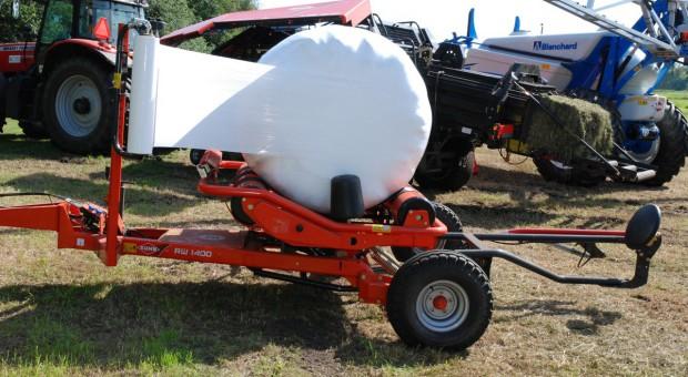 Szybkie owijanie balotu – jaka owijarka?