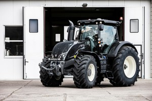 Valtra S4 - nowość na targach Agro Show 2014