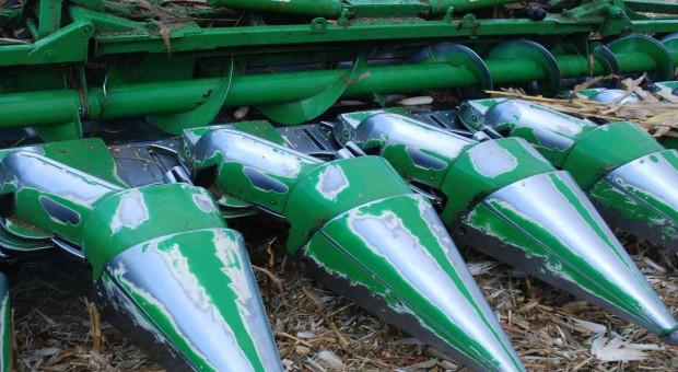 Przystawki do kukurydzy: 5 modeli 6-rzędowych - od 106 tys. zł