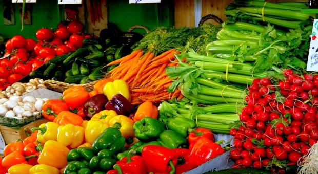 Bronisze: Rośnie import warzyw szklarniowych