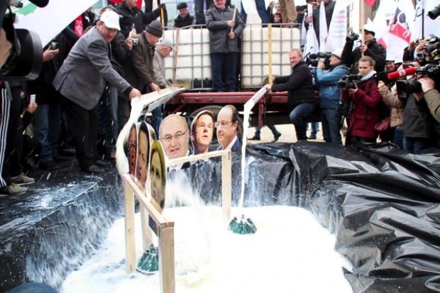 Protest mleczarzy w Brukseli