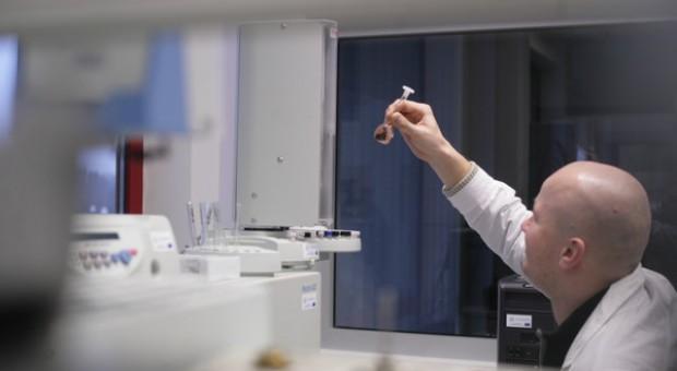 Senat za nowymi regulacjami dot. bezpieczeństwa GMO w laboratoriach