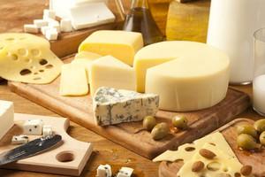 UE: W 2014 r. spadły ceny większości produktów mleczarskich