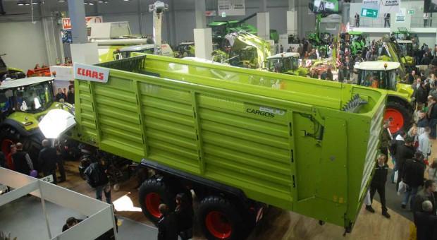 Claas Cargos 8500 z odczepianym podbieraczem
