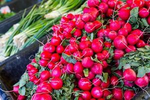 Na balkonach można uprawiać nie tylko rośliny kwitnące, ale też warzywa