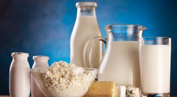 Nieznaczne spadki światowych cen przetworów mleczarskich