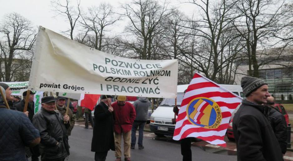 """""""Solidarność"""" RI przedłuża protest pod KPRM do 12 maja"""