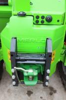 Akcesoryjny zaczep pozwala wykorzystać ładowarkę do transportu (maszyna rozpędza się do 40 km/h), fot. K.Hołownia