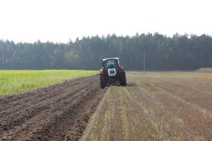 Komorowski: musimy zabezpieczyć polską ziemię przed spekulacją