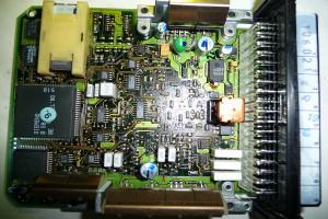 Moduł firmy Bosch stosowany w wielu ciągnikach w sterowaniu podnośnikiem EHR, fot. NAK Studio