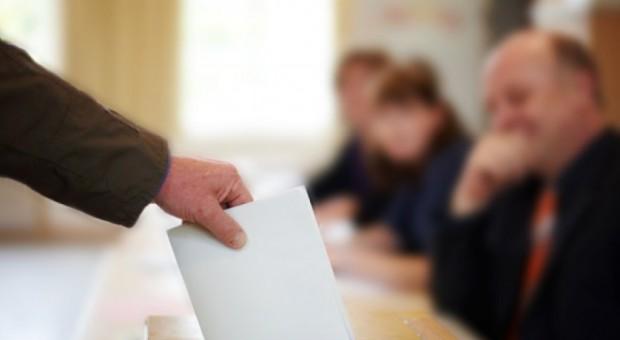 Ipsos: PiS wygrało wybory na wsi, Koalicja Obywatelska - w większych ośrodkach