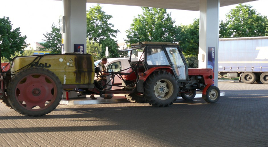 Analitycy: na stacjach benzynowych możliwe dalsze obniżki cen