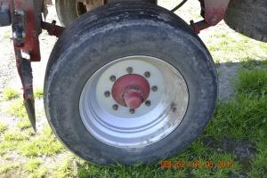 Koła ciężarowe z oponami o rozmiarze 315/80 22.5R