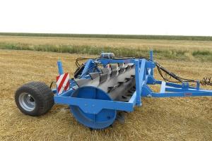 Mandam: szersza oferta wałów do łąk i pastwisk
