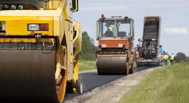 Pięć podlaskich gmin chce wspólnie budować drogi lokalne