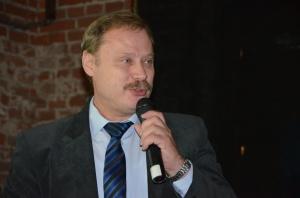 Prof. Dariusz Jaskulski podczas prezentacji wyników, fot. MT