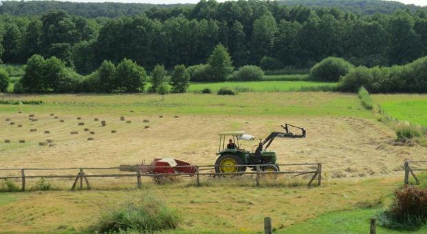 Projekt: przy scalaniu gruntów będzie można korzystać ze środków komunikacji elektronicznej