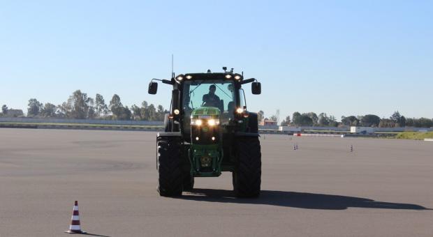 Rolnicy docisną pedał gazu - zmieni się dopuszczalna prędkość dla ciągników?