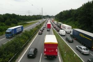 Ukraina: Rosja wstrzymała tranzyt towarów