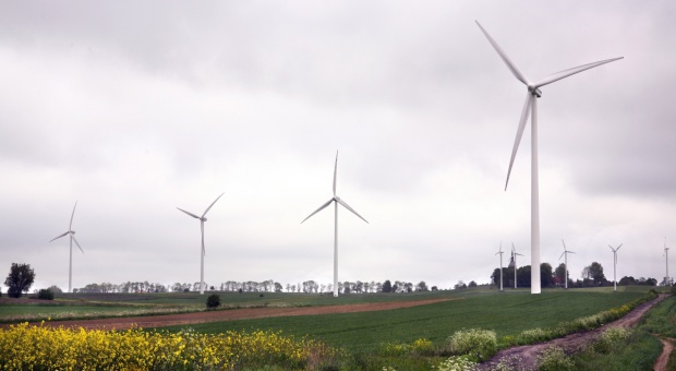 Jak daleko od domu wiatrak i biogazownia?
