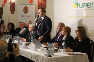 Jacek Bogucki Sekretarz Stanu MRiRW podkreślał, że certyfikacja wspiera integrację rolników z zakładami mięsnymi.