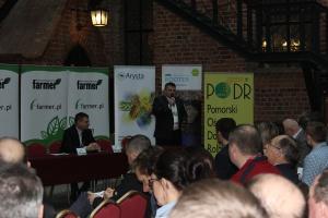 Redaktor naczelny Farmera Wojciech Denisiuk przywitał gości