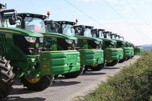 Wojsko Polskie kupiło 15 ciągników John Deere