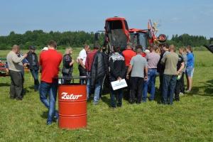 Zwiedzający byli żywo zainteresowani prezentowanymi maszynami, fot. mat prasowe