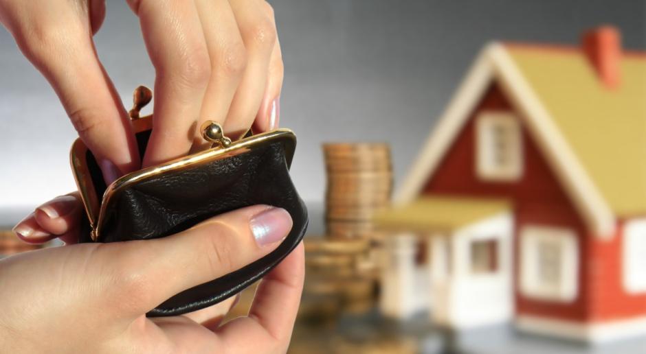 Większość Polaków obawia się wpływu epidemii na budżety domowe