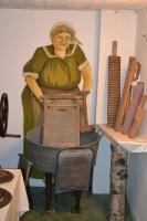 W muzeum można zobaczyć m.in. kolekcję zabytkowych tarek. Kto pamięta do czego służyły? Fot. Muzeum w Łysomicach