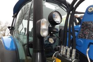 Ledowe lampy robocze gwarantują dobre oświetlenie po zmroku. fot.KW
