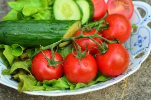 Nowalijkowe warzywa tańsze niż przed rokiem i będą tanieć