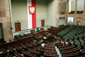 Sejm przyjął poprawki Senatu do ustawy ws. obrotu ziemią