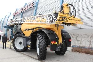 Opryskiwacze Challenger RoGator są produkowane w Holandii. Fot. MK.