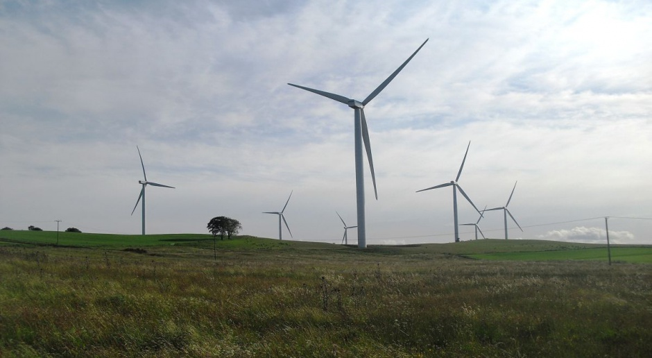 PSEW: Gminy nie stracą na zmianach podatków od wiatraków