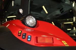 Pracę po zmroku ułatwiają światła LED. Fot. MK.