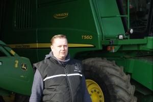 Kombajn John Deere T560 w gospodarstwie Wiktora Walczaka pracuje do tej pory bez zarzutu, bezawaryjnie, poza rutynową wymianą zużytych części, fot. John Deere