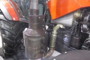 W spełnieniu normy emisji spalin Tier IV Final pomaga układ SCR; Fot. MK.