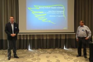 Od lewej Andrzej Domachowski - Menedżer ds. Rozwoju Produktu - Rzepak, Helen Fomina - Menedżer ds. Rozwoju Produktów Oleistych w regionie Europa.