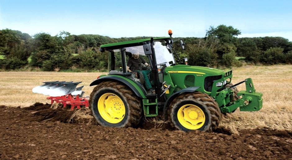 John Deere: nowa seria 5 ciągników klasy premium
