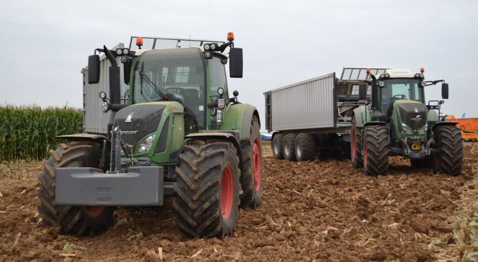 Na maszyny rolnik latem chucha i dmucha